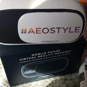 American Eagle Mobile phone virtual reality hdset